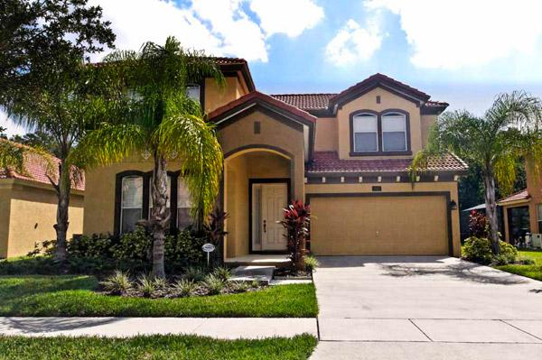 Belle's Cove, Family-Friendly Villa with Gameroom and Hot Tub, location de vacances à Kissimmee