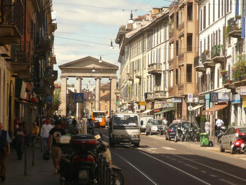 Corso San Gottardo 5 mins by foot for shopping