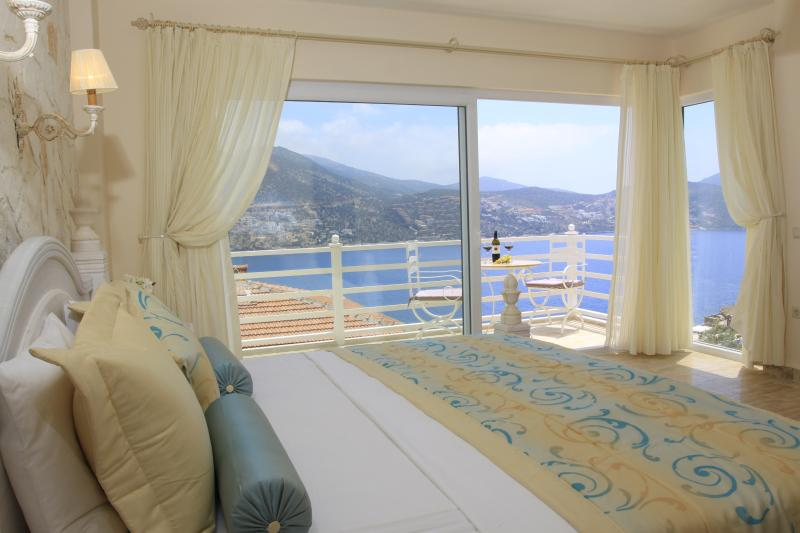 Wonderful sea views from the master bedroom