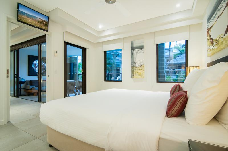 Main bedroom with also has direct access to the terrace and pool