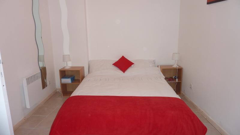 1. OG-Schlafzimmer mit Doppelbett