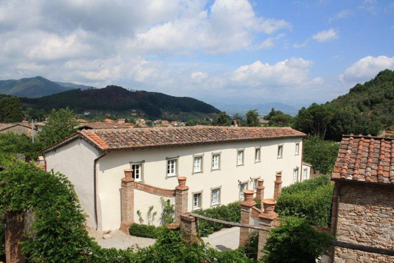 5 bedroom Tuscan farmhouse, holiday rental in San Lorenzo a Vaccoli