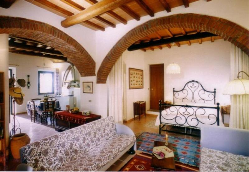 Podere Zollaio - Archi apartment, vacation rental in Mezzana