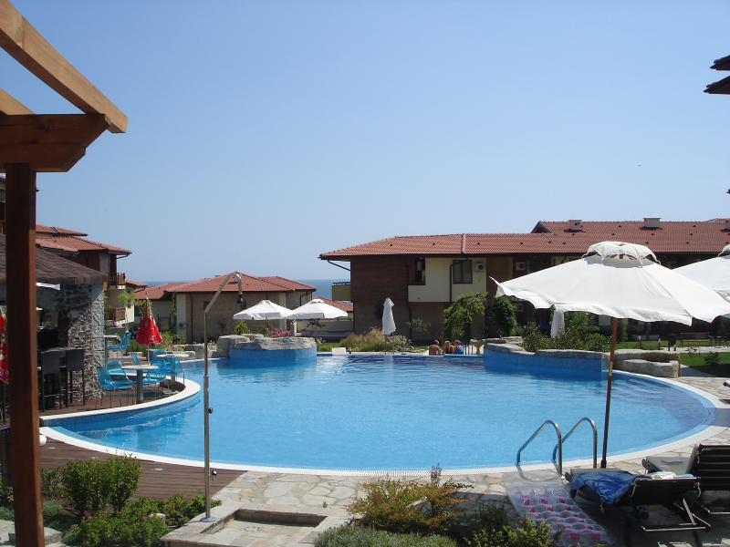 Luxury 3 Bed Apartment, St Vla, vacation rental in Sveti Vlas