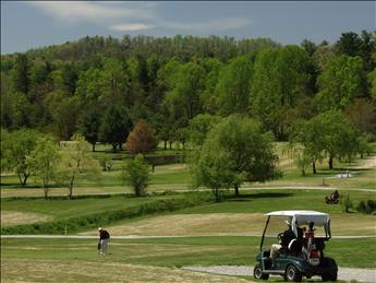 Highland Lake Golf Club - al lado de Trillium en lago Highland