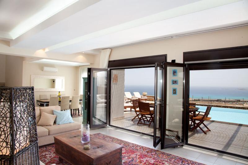 Indoor /outdoor living