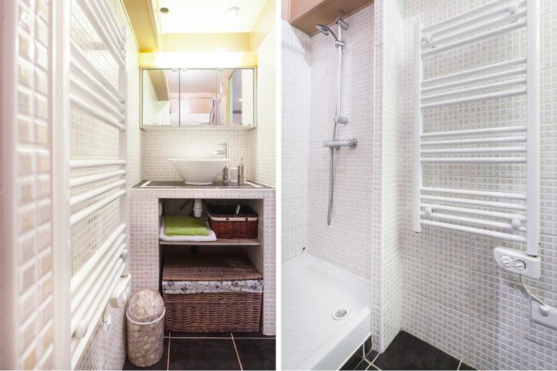 Casa de banho com chuveiro (toalhas)
