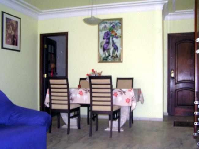 Eßgruppe im Wohnzimmer.