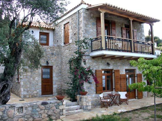Homeberry / Traditional Stone House in Tiros, holiday rental in Tyros