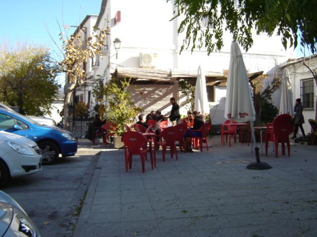 Uno dei numerosi bar locali