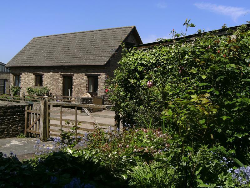 Swallow Cottage, alquiler de vacaciones en Llanddewi Rhydderch