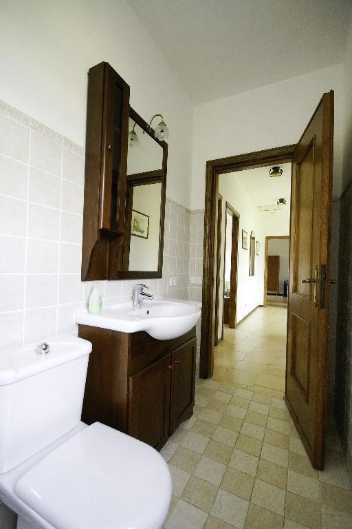 Baño compartido en planta alta