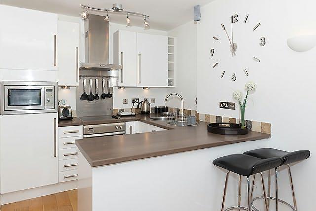 Gosta de cozinhar neste bem equipados, cozinha totalmente equipada, moderna