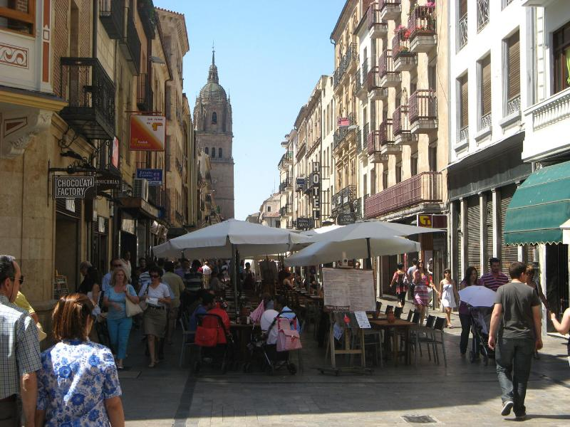 RUA MAYOR, CATHEDRAL AND PLAZA MAYOR A 1 MINUTE