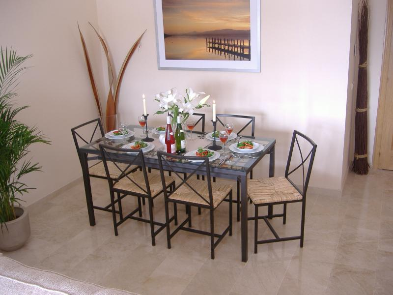 Dining Area - for those cosy evenings.