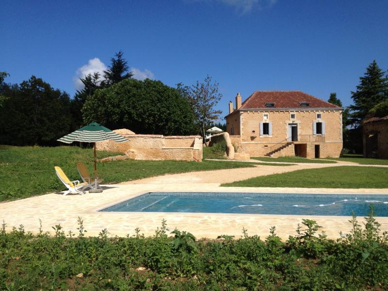 Villa Pech'Mej, au cœur de 32 hectares privés de vergers et de noyers