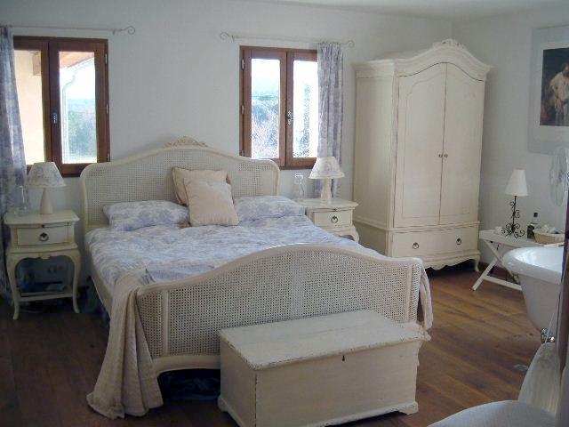 Sumptuous bedroom, with bath & wet room