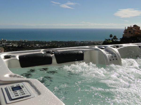 Jacuzzi and View!