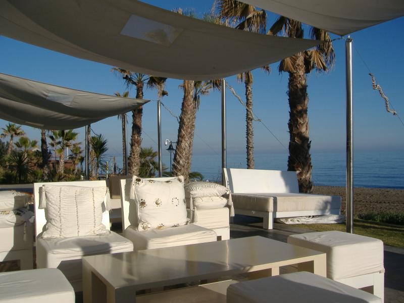 Laguna Village Relaxing - fabulous bars and restaurants.