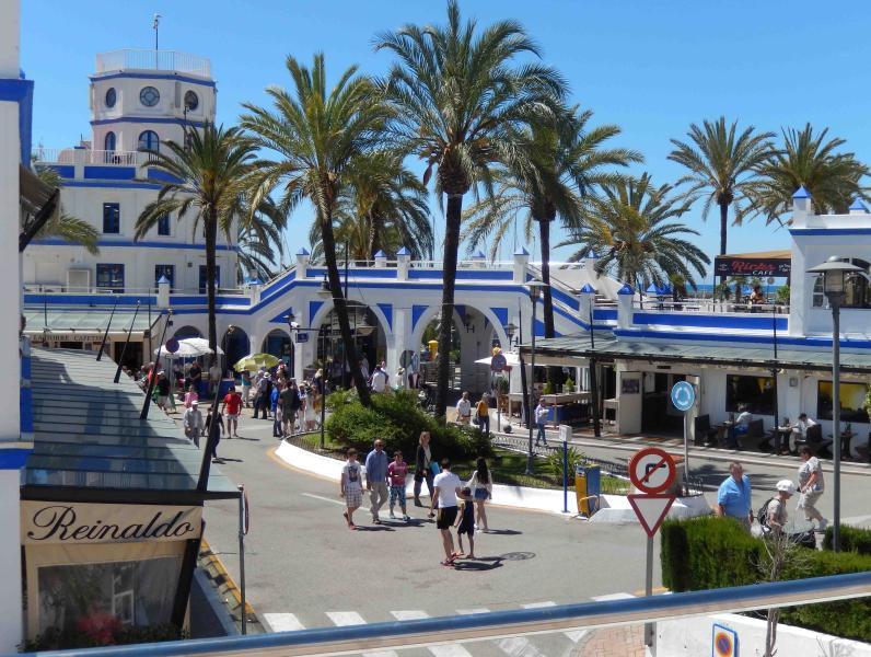 Estepona Port, Sunday market. Great bargains to be had !!