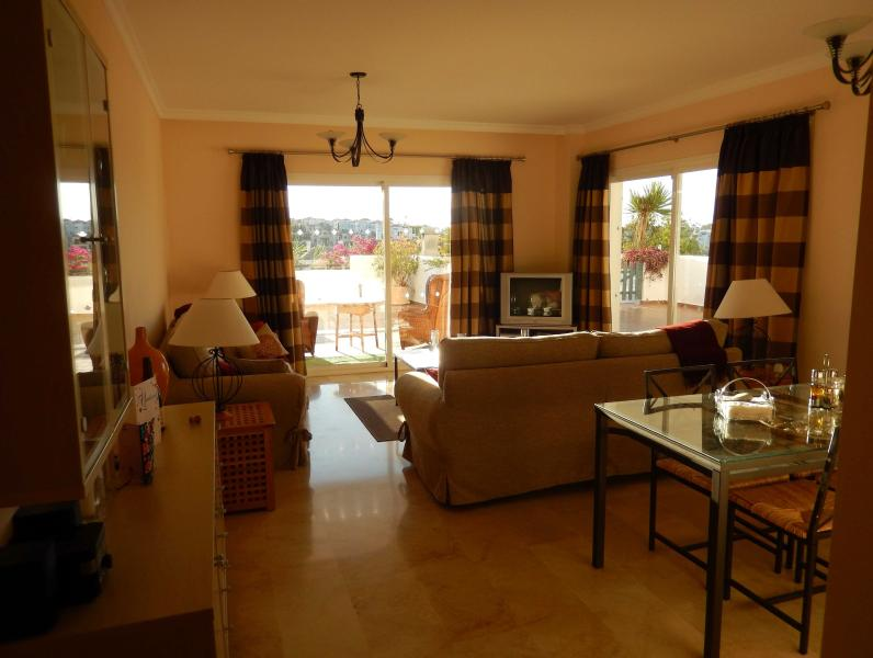 Large Cool, Double Apsect, Lounge, with WIFI, TV, DVD player, Books and Games.