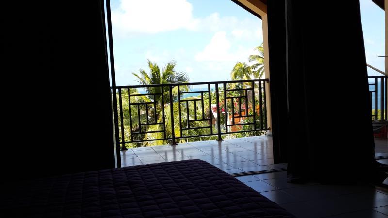 Vue depuis le grand lit (180 x 200) de la chambre parentale à l'étage