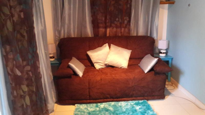 Chambre N° 3 avec son canapé-lit (160 x 190) toujours au RDC