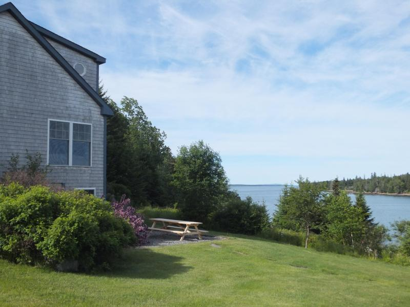 Seaside Cottage, 4 BRs, Private Beach, Great Views, holiday rental in Mount Desert Island