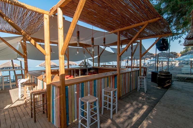 Santava's Beach Bar