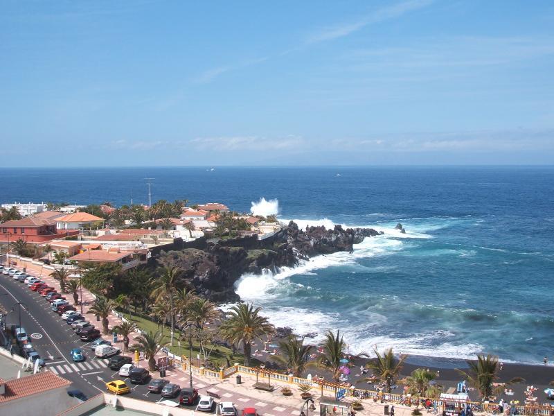 Vista desde el balcón a la galardonada playa opuesta.