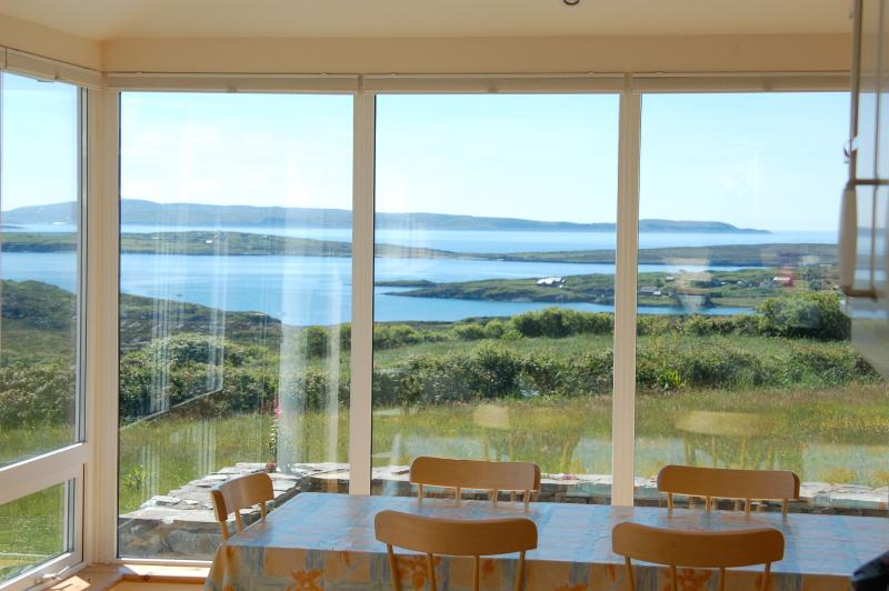 The Lookout- Luxury Schull Holiday House with WiFi, location de vacances à Ahakista