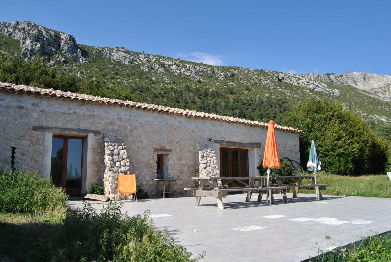 gîte BERGERIE, vacation rental in Sarzay