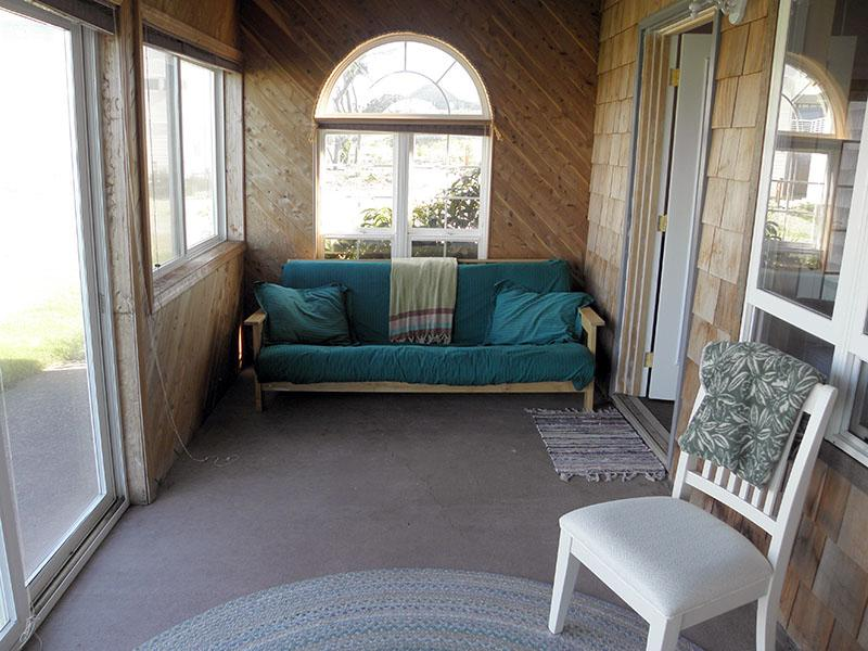 There is also a enclosed porch bedroom available.