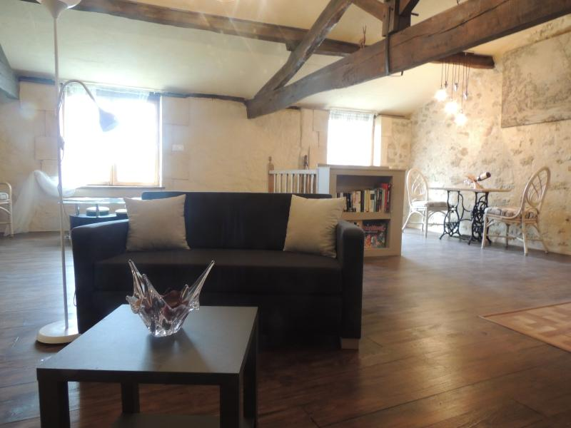 Kestrel's Loft, Gensac, vacation rental in Auriolles