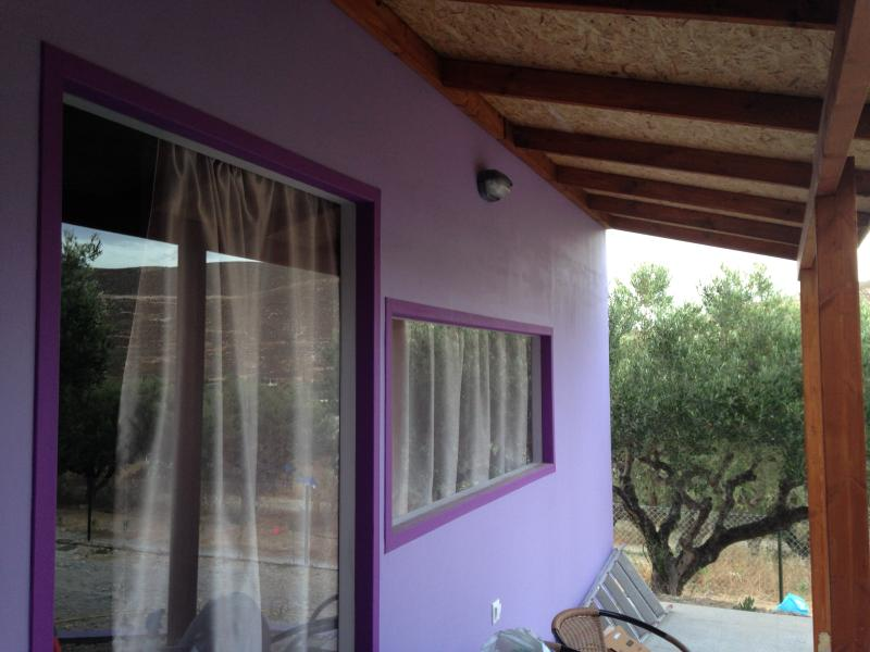 New Colorful Studio Heraklion, casa vacanza a Karteros