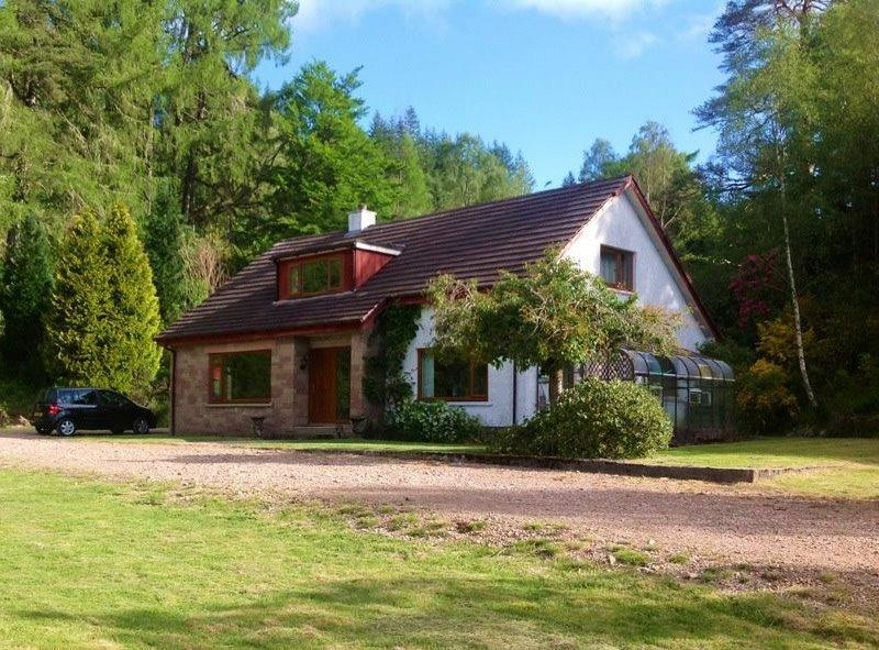 Pinewood, holiday rental in Roybridge