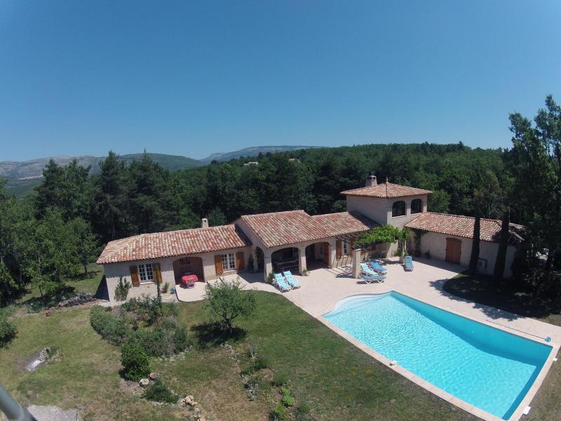 Villa 'au bord du green' - Var/PACA, Ferienwohnung in Fayence