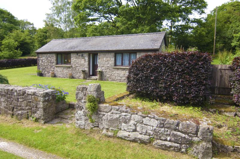 Oakgrove Cottage, holiday rental in Llandogo