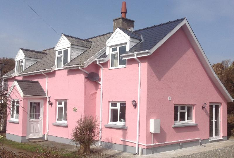 Smithy Cottage, holiday rental in Newgale