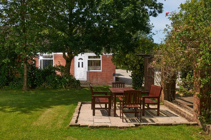 Swans Rest holiday cottages - Swallow cottage, alquiler vacacional en Poulton Le Fylde