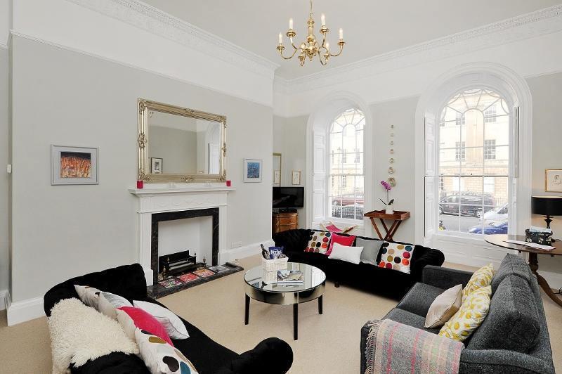 Great Pulteney St - The Artpad  (We also now have new apartments pls enquire), holiday rental in Bath