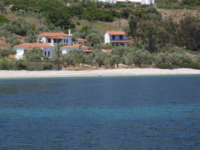 Christou houses / Ilios cottage