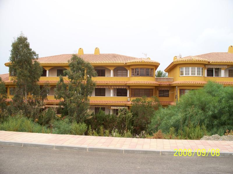 `Two bedroom apartment in quiet location on the beautiful Mar Menor. Walking, cycling, watersports o