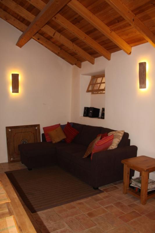 sitting area/living room