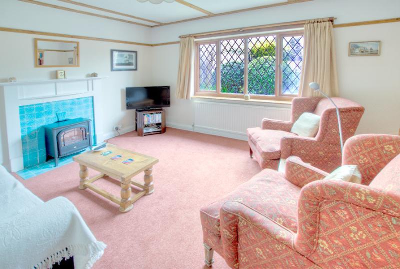 Lounge, overlooking rear cottage style garden