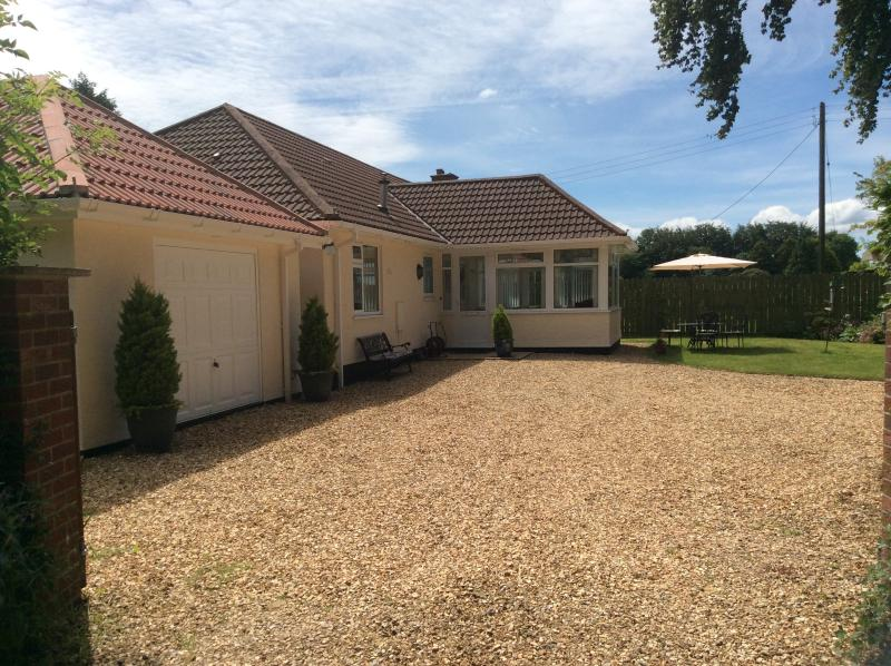 South Cleeve Bungalow, garden and games room