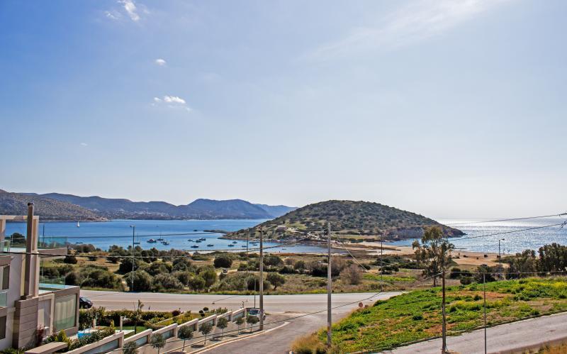 Modern beach house near Athens, holiday rental in Palaia Fokaia