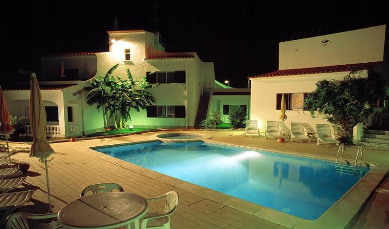 DONA  ANA  GARDEN - T2 Apartm., holiday rental in Faro District