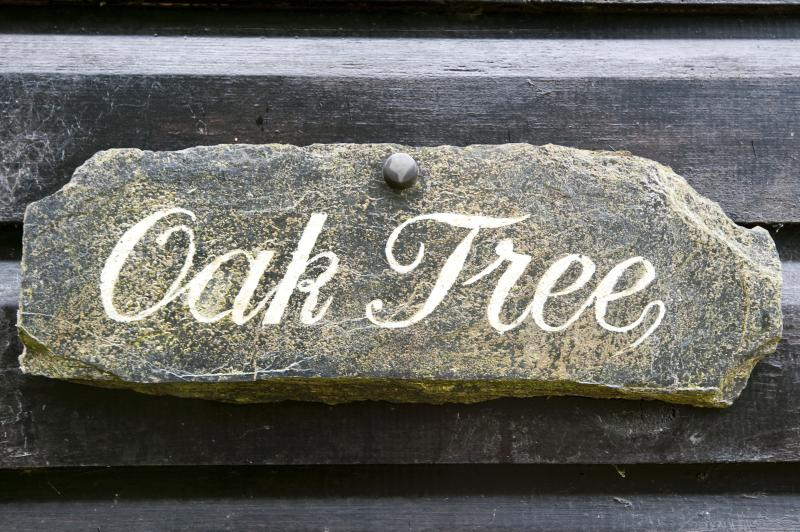 Oaktree Entrance