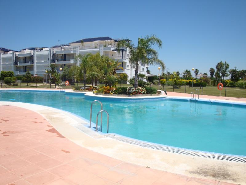 Beautiful Beach Apartment Golf, vacation rental in Rota